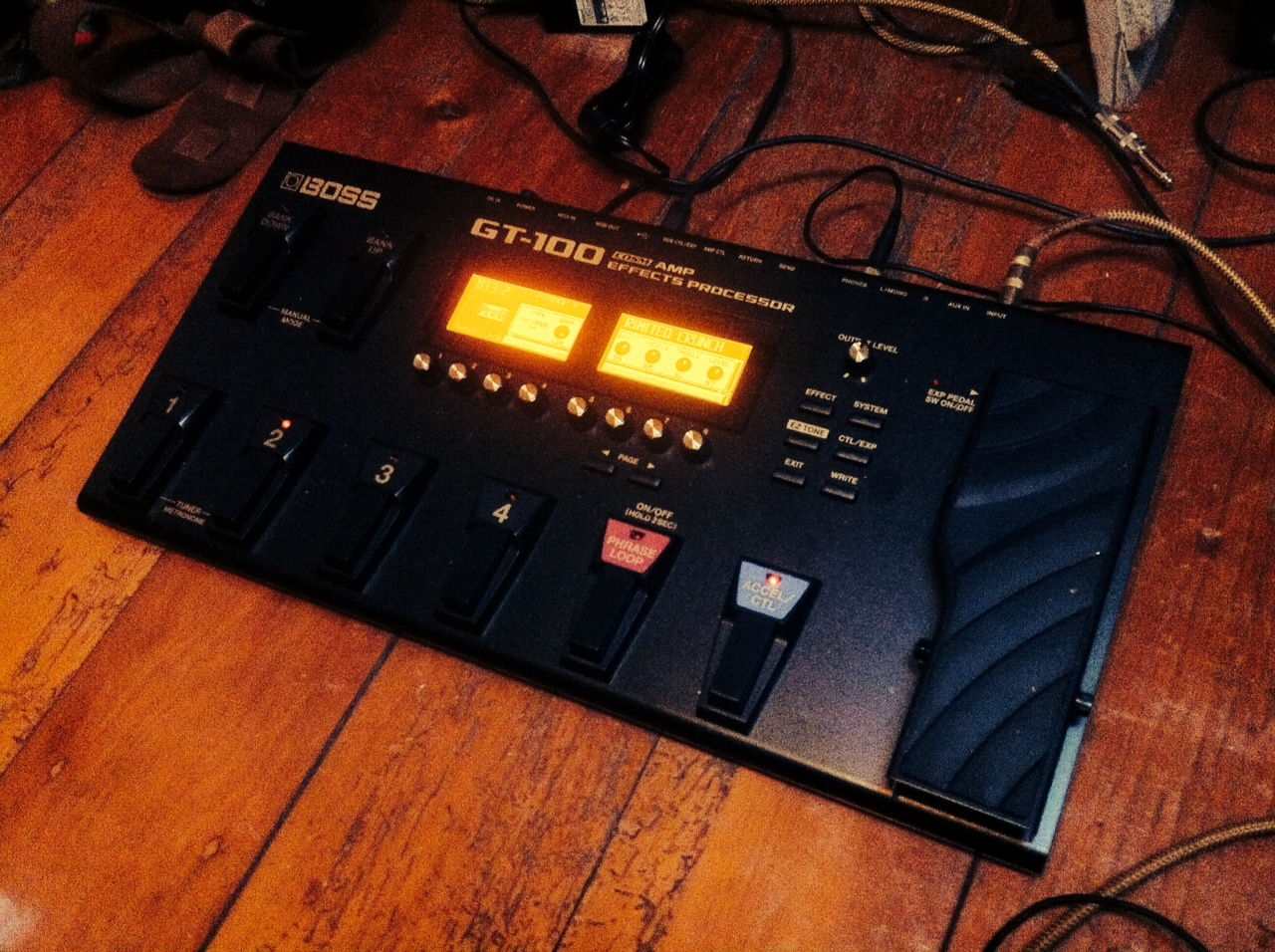 One Month With The Boss Gt 100 V2 Guitar Tone Overload Home Switches 4 Way Gt100v2